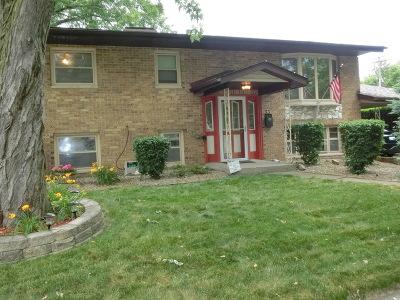 Thornton Single Family Home Contingent: 33 Arapaho Drive