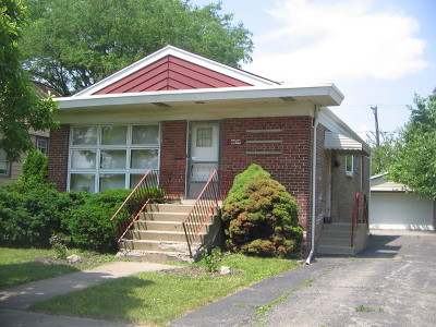 Single Family Home For Sale: 8850 South Troy Avenue