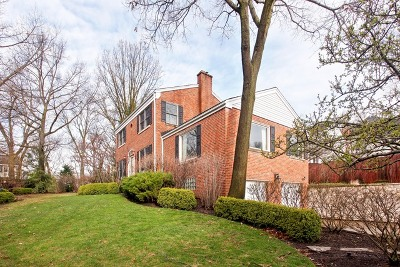 Hinsdale Single Family Home Contingent: 105 Ravine Road