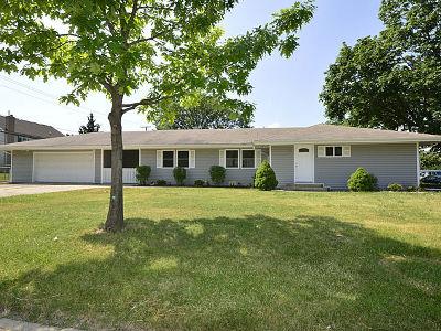 Elmhurst Single Family Home Contingent: 136 East Crestview Avenue