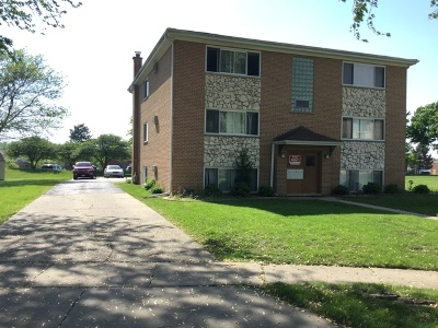 West Dundee Multi Family Home Contingent: 620 Edwards Avenue