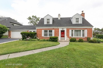 Oak Brook Single Family Home Contingent: 136 Timber View Drive