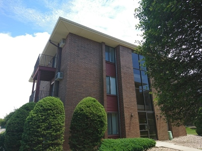 Oak Forest IL Condo/Townhouse Re-activated: $59,000