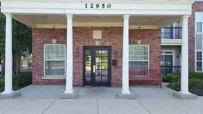 Huntley Condo/Townhouse For Sale: 12950 Meadow View Court #209