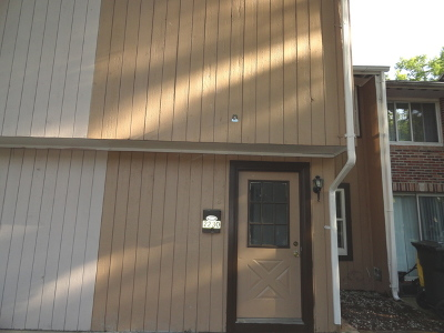 Carpentersville Condo/Townhouse Contingent: 2230 Morningside Circle #B