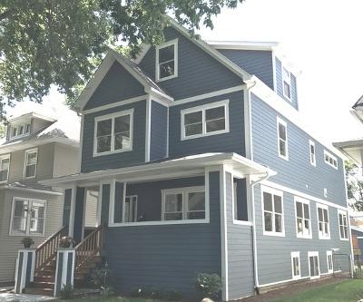 Oak Park Single Family Home Contingent: 935 South Kenilworth Avenue