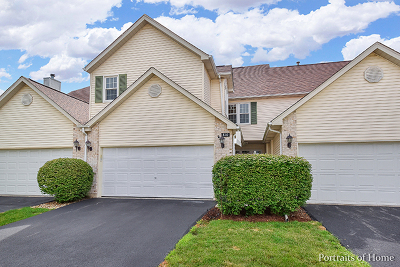 St. Charles Condo/Townhouse Contingent: 810 Thornwood Drive