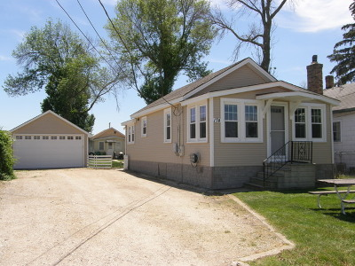 Fox Lake Multi Family Home For Sale: 174 Eagle Point Road