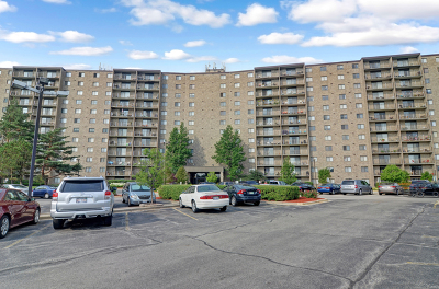 Willowbrook Condo/Townhouse For Sale: 6340 Americana Drive #217