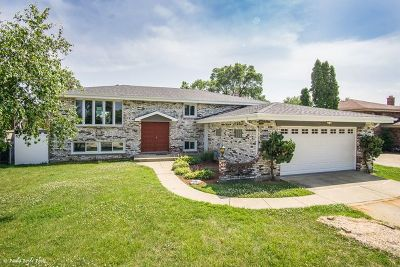 Addison Single Family Home Price Change: 1527 West Mulloy Drive