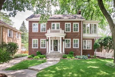 La Grange Single Family Home Contingent: 325 South Edgewood Avenue