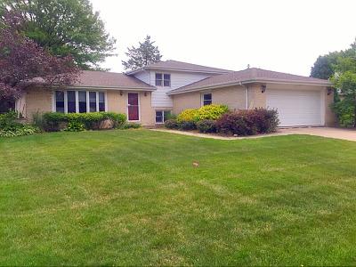 Darien Single Family Home Contingent: 7729 Farmingdale Drive