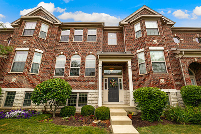 Winfield Condo/Townhouse For Sale: 27w739 North Meadowview Drive