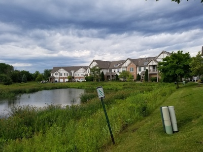 Concord Village Condo/Townhouse Contingent: 870 June Terrace #270