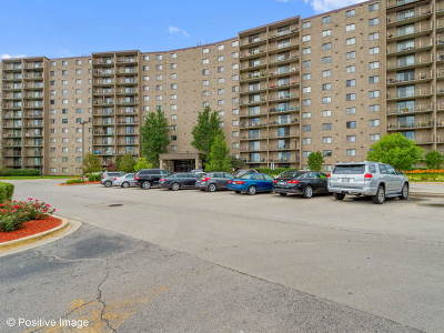 Willowbrook Condo/Townhouse Contingent: 6340 Americana Drive #507