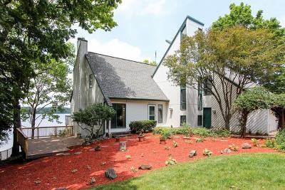 Lake Villa, Lindenhurst Single Family Home For Sale: 42 Woodhead Drive