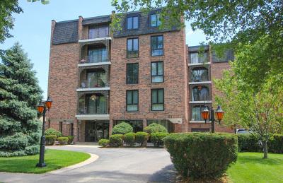 River Forest Condo/Townhouse Contingent: 1417 Bonnie Brae Place #3C