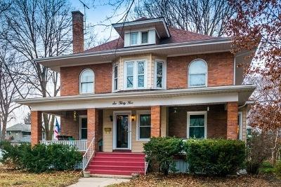 Oak Park Single Family Home Contingent: 635 Clinton Avenue