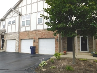 Concord Village Condo/Townhouse Contingent: 890 June Terrace #210