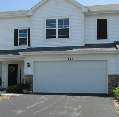Pingree Grove Condo/Townhouse Contingent: 1443 Bar Harbor Court