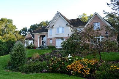 Barrington Single Family Home Price Change: 25682 Blackhawk Lane