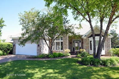 St. Charles Single Family Home For Sale: 3907 Royal And Ancient Drive