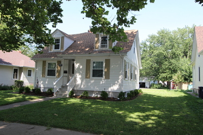 Elgin Single Family Home Contingent: 625 Lavoie Avenue