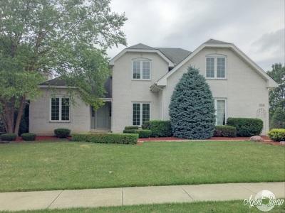 Orland Park Single Family Home Contingent: 15546 Glenlake Drive