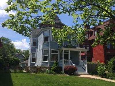 Oak Park Single Family Home For Sale: 335 Clinton Avenue