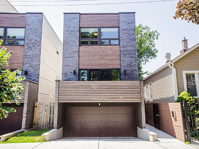 Chicago Single Family Home Contingent: 2152 North Rockwell Street