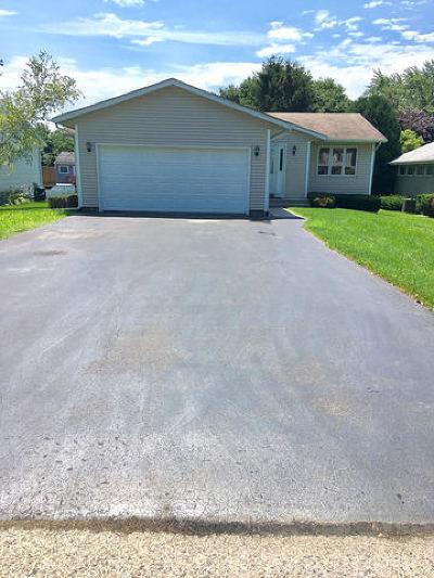 Crystal Lake Single Family Home For Sale: 1345 Cottonwood Lane