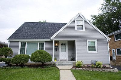Villa Park Single Family Home Contingent: 327 North Cornell Avenue