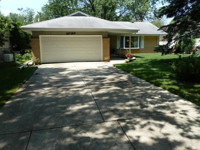 Villa Park Single Family Home Contingent: 830 South Euclid Avenue