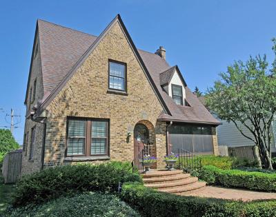 Lake Forest Single Family Home Contingent: 851 Oakwood Avenue