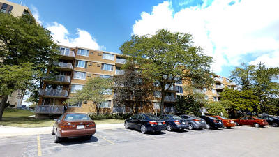 Lombard Condo/Townhouse Contingent: 2222 South Stewart Avenue #2K