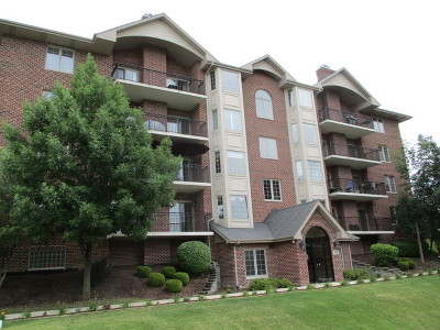Westmont Condo/Townhouse For Sale: 6655 South Cass Avenue #2A