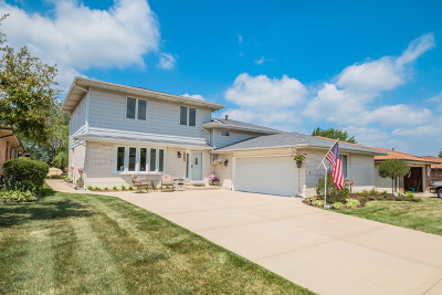 Oak Forest Single Family Home For Sale: 15642 Lockwood Avenue