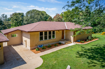 Marengo Single Family Home For Sale: 8607 South Hill Road