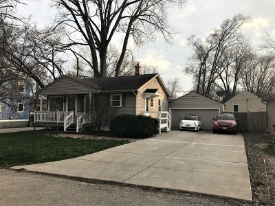 South Elgin Single Family Home Contingent: 131 Woodrow Avenue