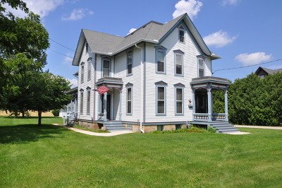 Marengo Single Family Home Contingent: 418 North State Street