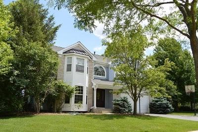 Algonquin Single Family Home For Sale: 2221 Barrett Drive
