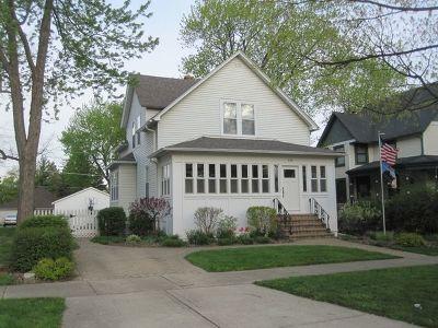 Elmhurst Single Family Home For Sale: 136 North Elm Avenue