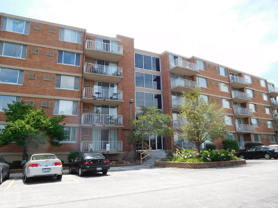 Lombard Condo/Townhouse New: 2200 South Stewart Avenue #4F
