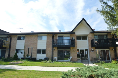 Willowbrook Condo/Townhouse For Sale: 16a Kingery Quarter #203