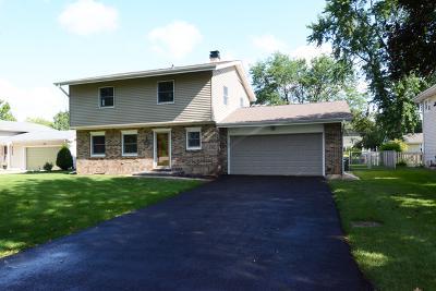 Carol Stream Single Family Home Contingent: 191 El Paso Lane
