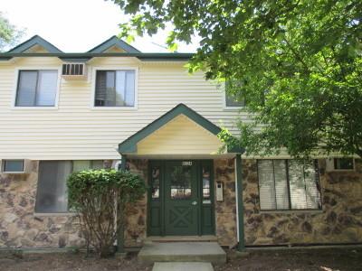 Woodridge Condo/Townhouse Contingent: 8324 Oak Leaf Drive #1402