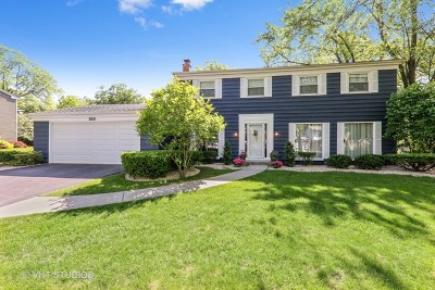 Downers Grove Single Family Home For Sale: 3931 Longmeadow Road