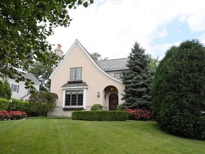 Lake Forest Single Family Home For Sale: 33 Washington Circle