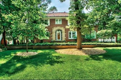 Glen Ellyn Single Family Home For Sale: 703 Hillside Avenue