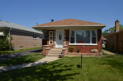Calumet Park Single Family Home For Sale: 12829 South Loomis Street